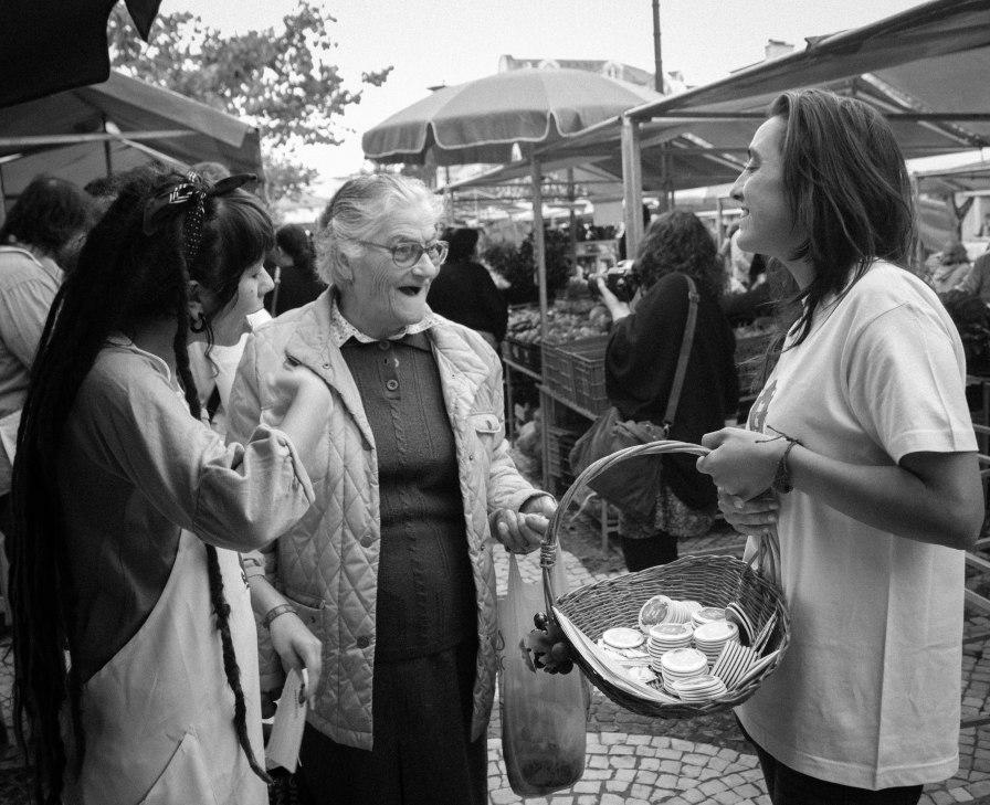 Pamela Pedroso e Joana Dias promovem a Praça da Fruta